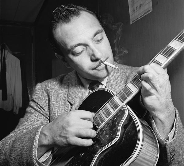 Σαν σήμερα…23 Ιανουαρίου 1910. Γεννήθηκε ο βιρτουόζος κιθαρίστας της Jazz Τζάνγκο Ράινχαρντ.