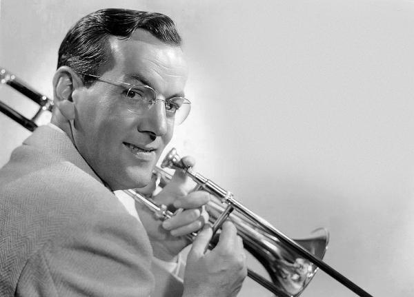 Σαν σήμερα…10 Φεβρουαρίου 1942, απονεμήθηκε ο πρώτο χρυσός δίσκος στην ιστορία της μουσικής!