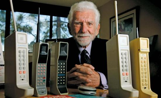 Πως άλλαξε τη ζωή των ανθρώπων όλου του πλανήτη, το κινητό τηλέφωνο.
